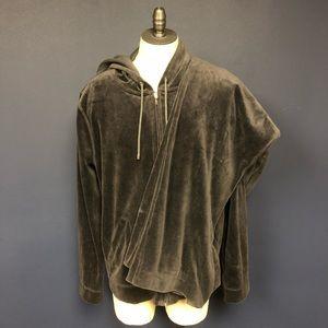 Harve Barnard woman's velour jogging suit